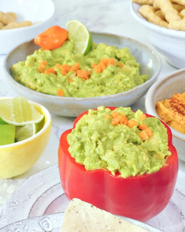 Mango Habanero Guacamole @spabettie #vegan #glutenfree #oilfree #appetizer #party #spicy