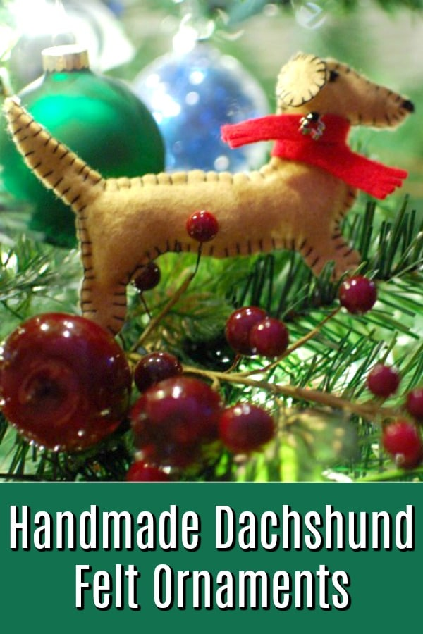 Dachshund Felt Ornaments @spabettie #handmade #dachshund #holiday #christmas #ornament #DIY