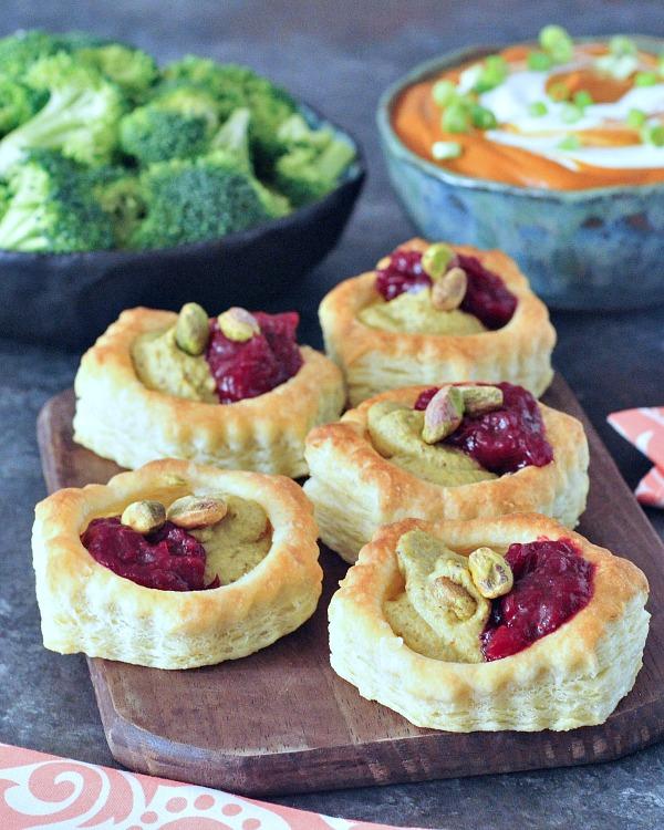 Garlic Pistachio Cranberry Tarts @spabettie #vegan