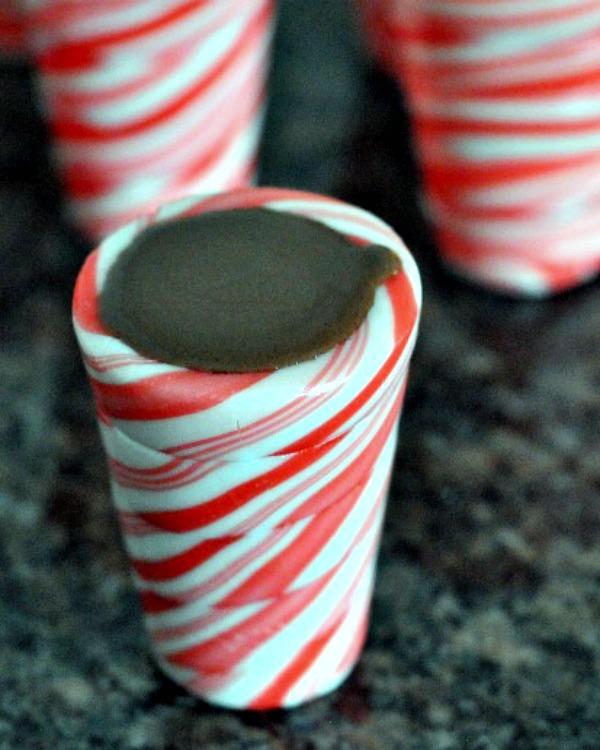Hot Chocolate Peppermint Shots @spabettie