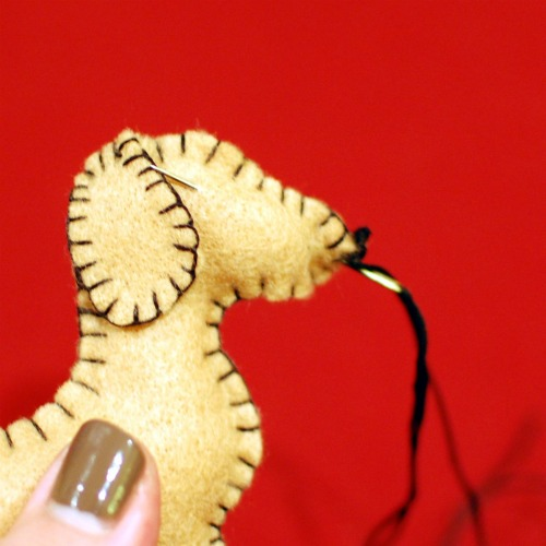 Dachshund Felt Ornaments @spabettie #dachshund #holiday #christmas #handmade