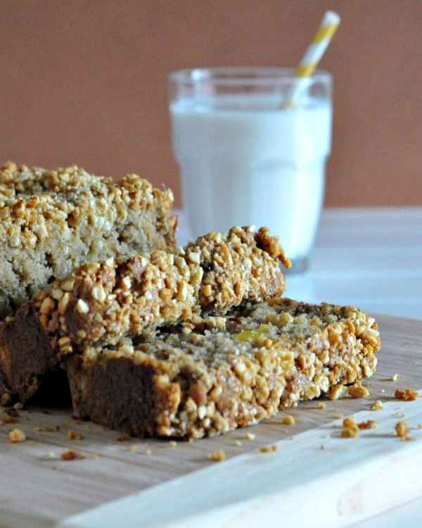 Tropical Banana Bread with Sugared Macadamia Crumble @spabettie