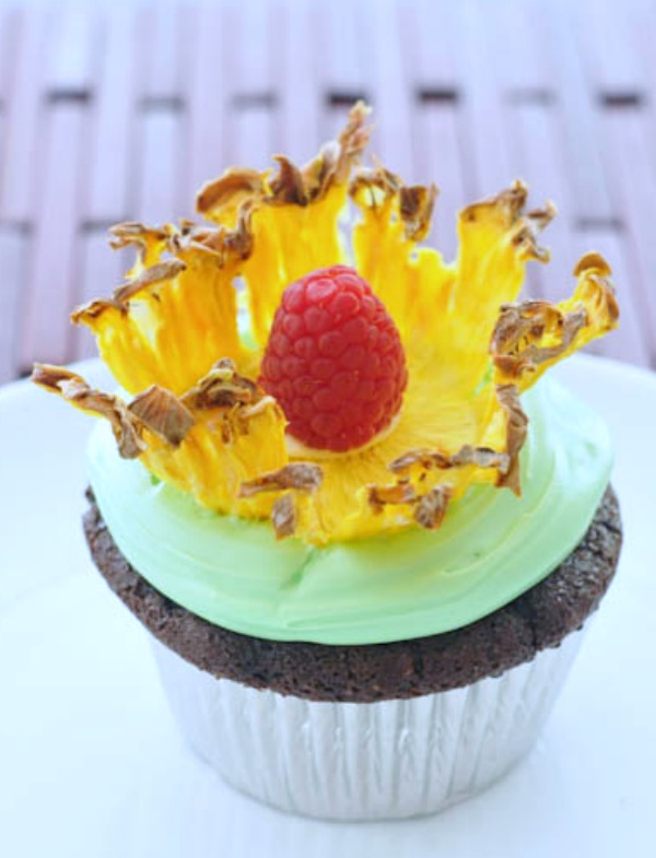 Pineapple Flower Cakes