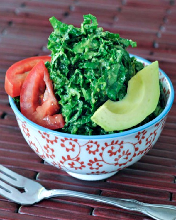 Lemon Avocado Massaged Kale Salad @spabettie