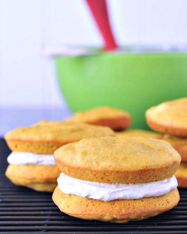 Pumpkin Whoopie Pies with Ginger Cream @spabettie