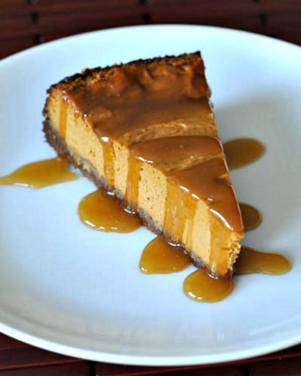 Maple Cream Pumpkin Cheesecake with Buttery Gingersnap Crust @spabettie