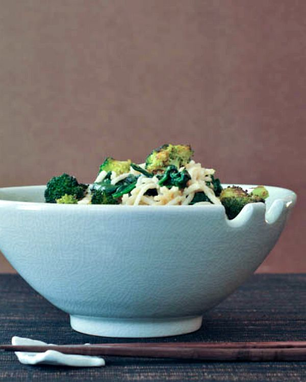 Gingered Sesame Coconut Udon with Roasted Broccoli @spabettie