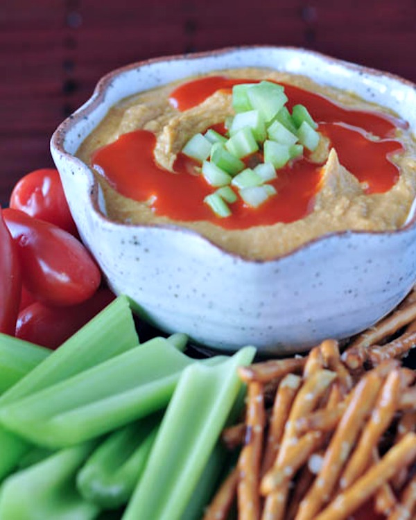 Tangy Spicy Buffalo Hummus @spabettie