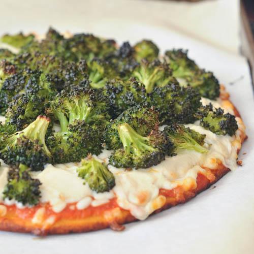 lemony blackened broccoli pizza
