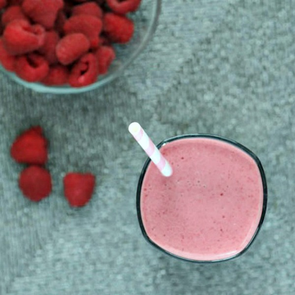 Raspberry Chia Cream Smoothie