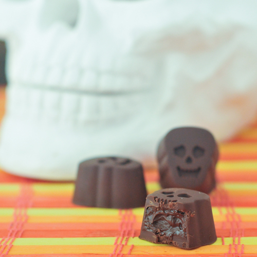 Double Chocolate Truffle Skulls @spabettie #vegan #glutenfree #Halloween #chocolate