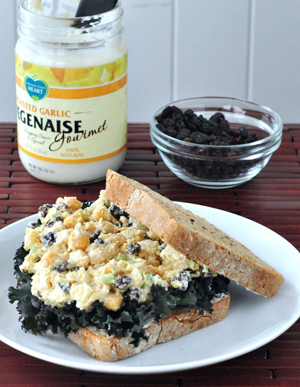 Roasted Garlic Chickpea Salad Sandwich @spabettie