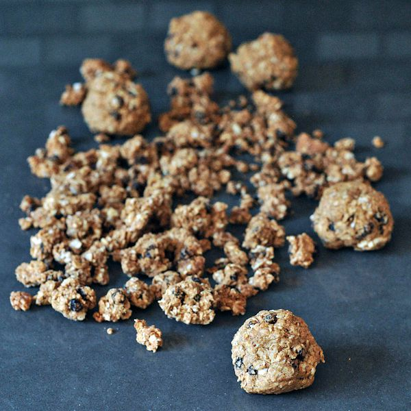 Oatmeal Raisin Cookie Granola @spabettie