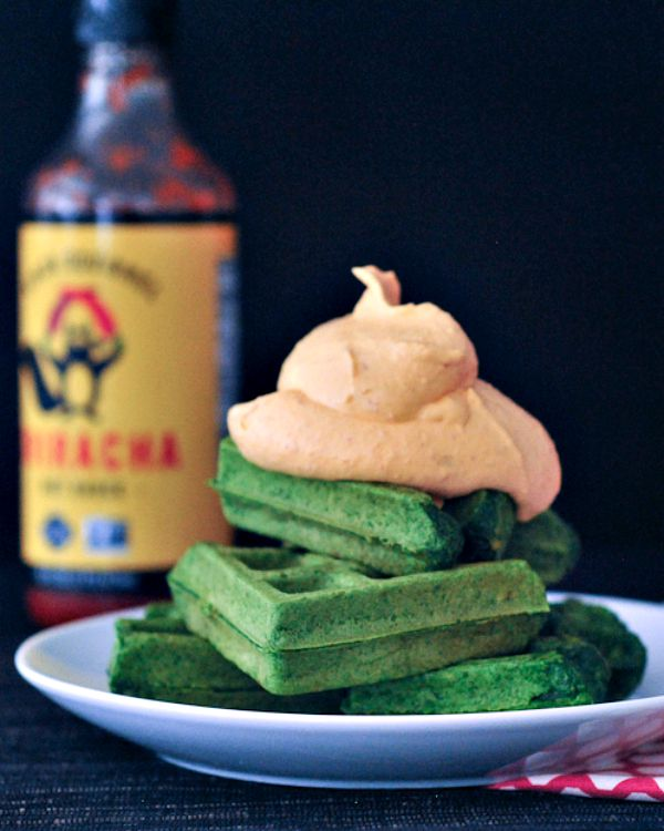 Garlic Spinach Waffles with Sriracha Whip @spabettie