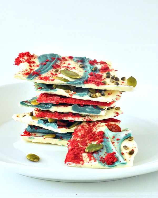 Raspberry Dusted Vanilla Superfood Bark @spabettie