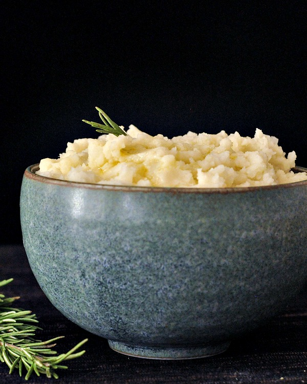 Roasted Garlic Mashed Potatoes @spabettie