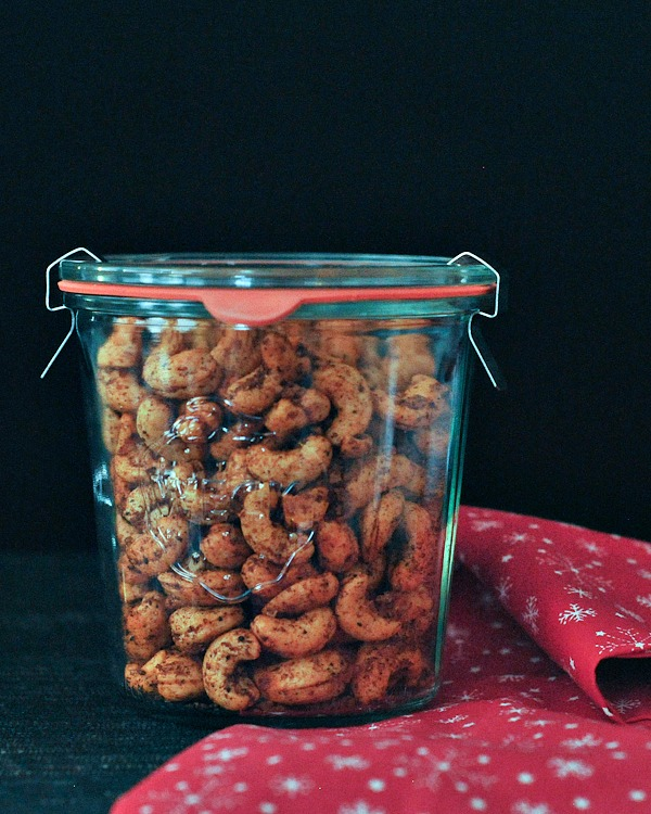 Sweet and Spicy Cashews @spabettie