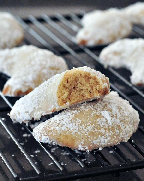 Vegan Vanilla Crescent Cookies @spabettie
