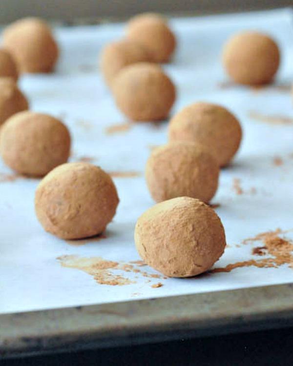 Chocolate Bourbon Caramel Truffles @spabettie