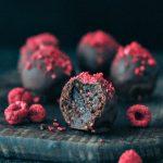 Raspberry Dusted Chocolate Fudge Brownie Truffles @spabettie