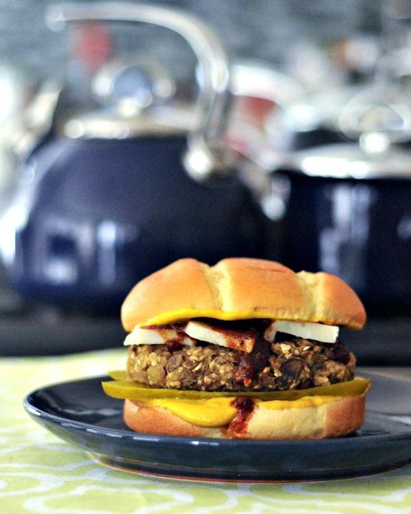 Red Lentil Sweet Potato Hemp Burgers with Ginger Basil Sauce @spabettie