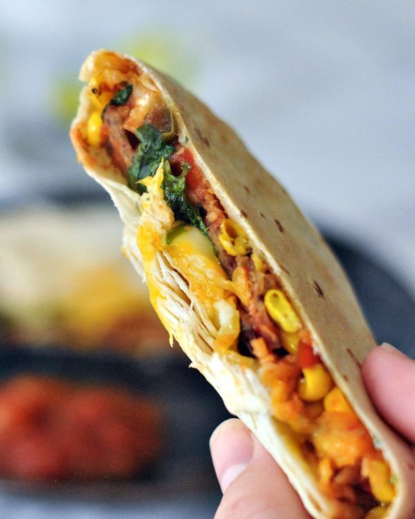Fish Taco Crisp Wraps with Mango Salsa @spabettie