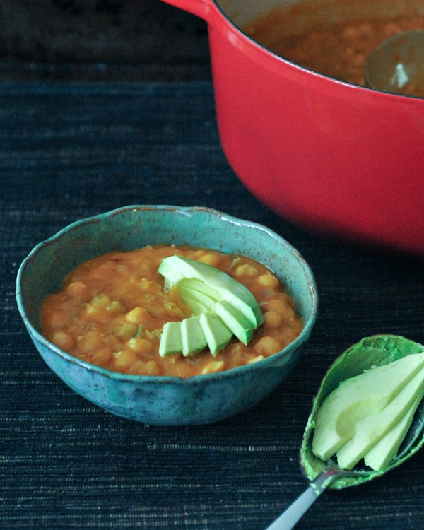 Tangy Buffalo Chickpea Chili @spabettie
