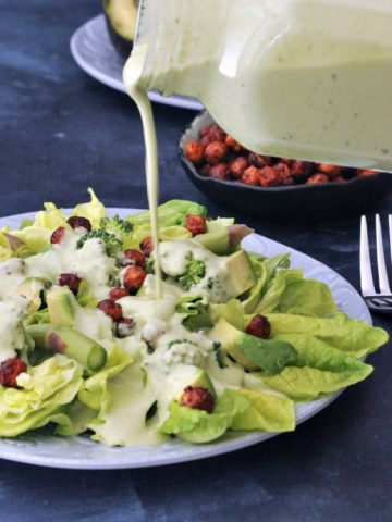 Hearty Nourishing Greens Salad @spabettie