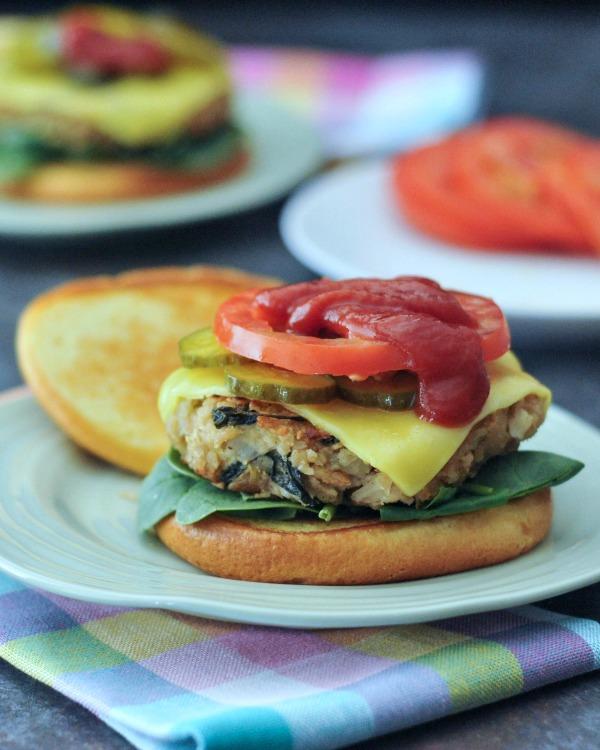 Tangy Spinach Artichoke Burgers @spabettie