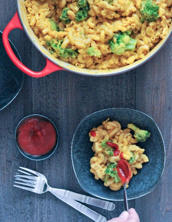 Black Pepper Cheesy Mac and Broccoli Oil Free @spabettie