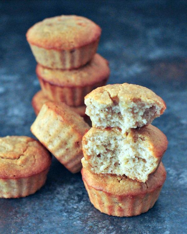 Easy Peanut Butter Banana Muffins @spabettie #dairyfree