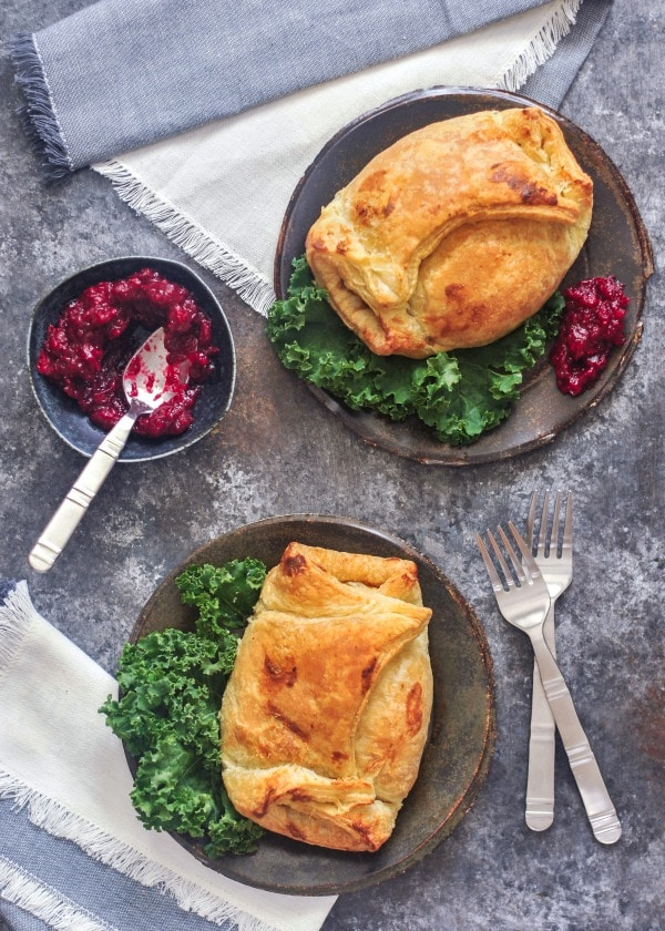 Hearty Portobello Wellingtons @spabettie #vegan #holiday #comfortfood