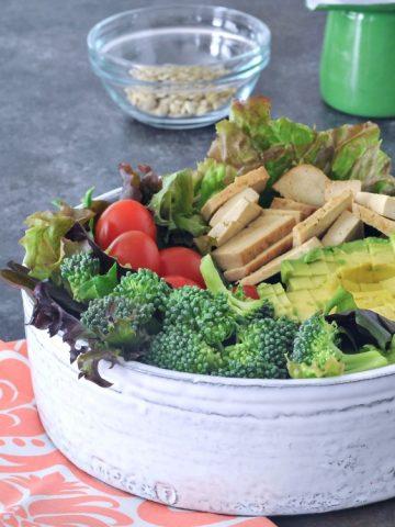 Build Your Own Vegan Chef Salad Bar @spabettie #vegan #DIY