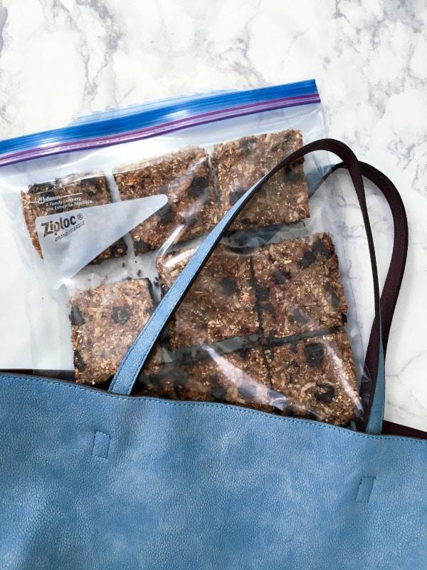 Easy Vanilla Chip Buckwheat Bars @spabettie #glutenfree #vegan #chocolate #bars