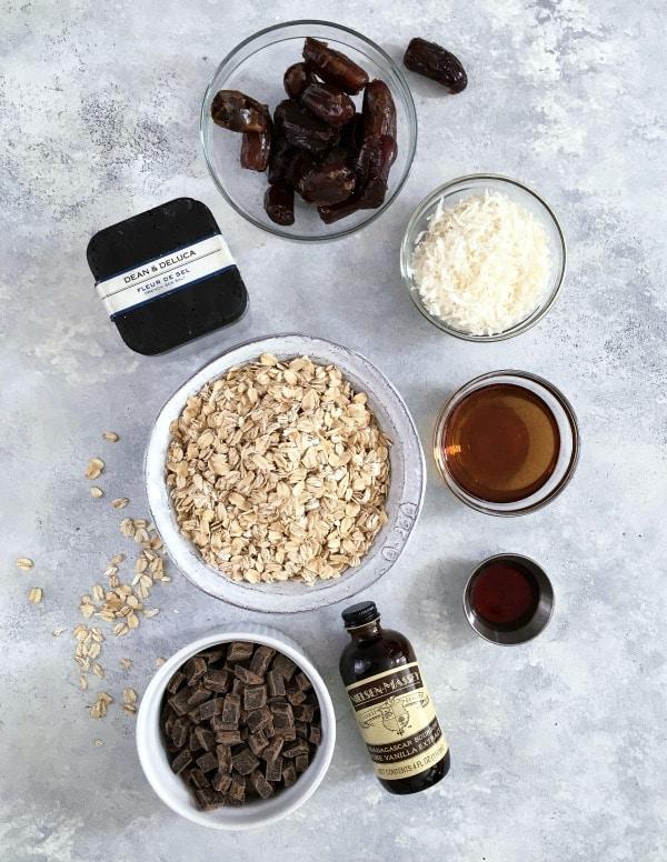 Easy Vanilla Chip Buckwheat Bars @spabettie #glutenfree #vegan