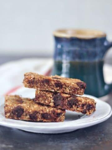 Easy Vanilla Chip Buckwheat Bars @spabettie #vegan #glutenfree