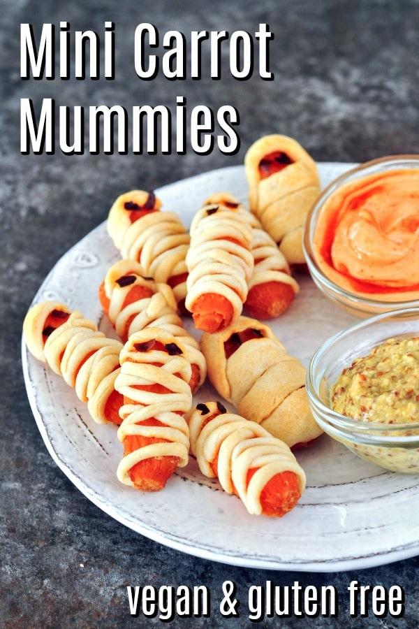 Mini Carrot Mummies @spabettie #vegan #glutenfree #appetizer #party #snack #Halloween