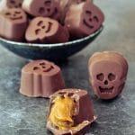 Pumpkin Caramel Chocolates @spabettie #vegan #glutenfree #chocolate #candy #Halloween