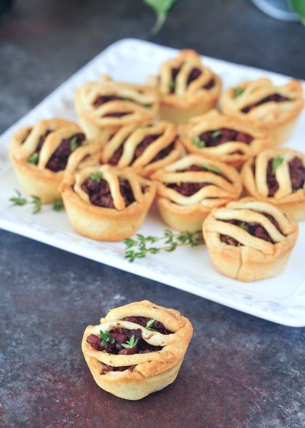 Mini Vegan Sausage Pies @spabettie #glutenfree #vegan #plantbased #holiday #gameday #appetizers