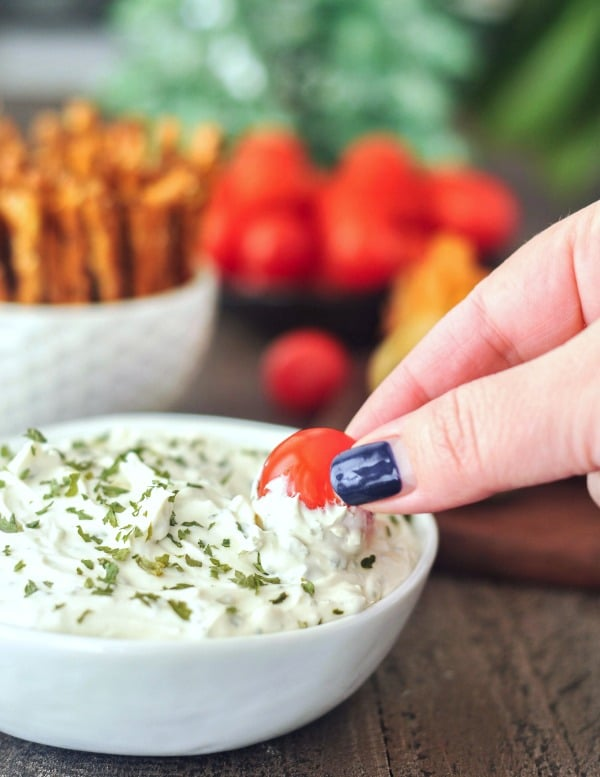 Garlic Herb Vegan Cheese Spread @spabettie #vegan #oilfree #glutenfree #cheese #gameday #holiday